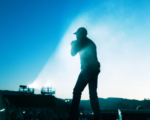 Darius Rucker performs at Stagecoach Music Festival 2011.