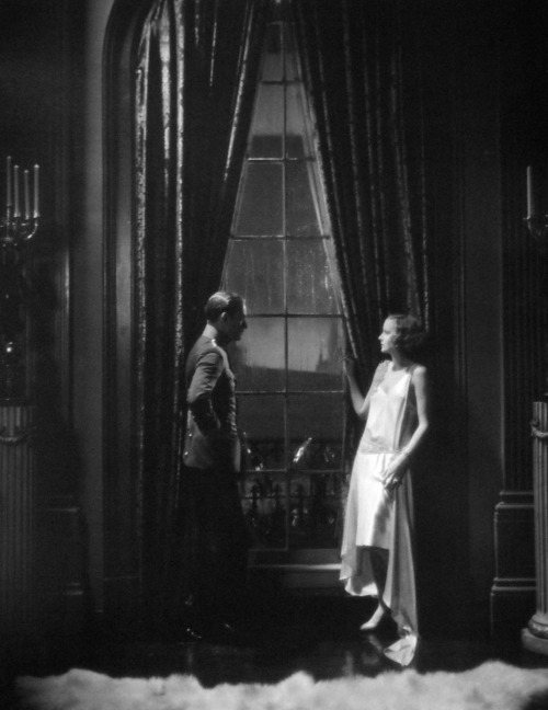 Conrad Nagel and Greta Garbo in The Mysterious Lady (1928)  Greta was so beautiful we could use any lighting for dramatic purposes. On her films, my photography had more continuity. Using special lighting effects didn't handcuff the director. Her face was such that I could have shot in candlelight if the stock in those days had allowed it.[Cameraman] William Daniels