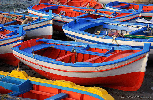 whimsicalraindropcottage:  Colorful boats (by Wagman_30)