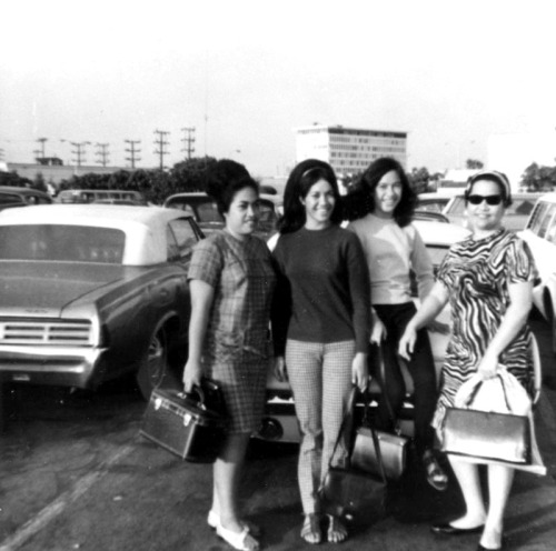 Samoan American women at Los Angeles International Airport. L to R, Ese Ese Ah Soon, Jackie Wilson Momoli, Julie Wilson Fiatoa, Fa'aeseina Wilson. (Courtesy of LAPL)
