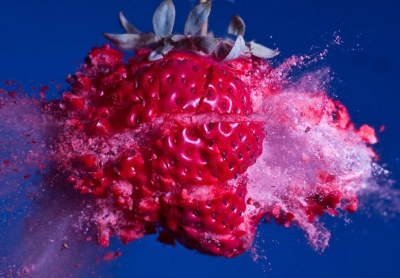 Strawberry crush | High-speed bullet photographs by Alan Sailer.