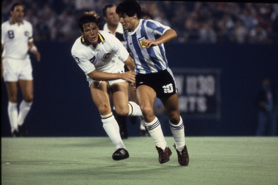 thenycosmos:  El Diego vs. The Cosmos. Who 'ya got?  Soccer Made in Germany: rebroadcast with Toby Charles and Giorgio Chinaglia commentary.