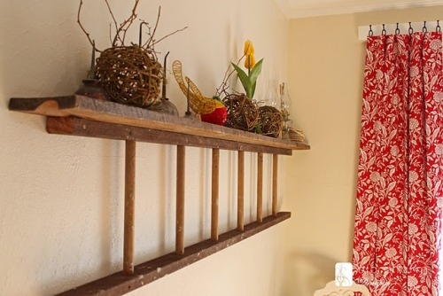 carolinacountryliving:  Ladder shelf - brilliant idea!