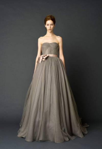 little-eggplant-wedding:  (via Vera Wang Spring 2012 - Project Wedding Blog)