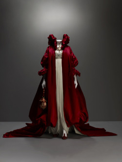 "interiordecline:  Alexander McQueen. ""I want people to be afraid of the women I dress."""