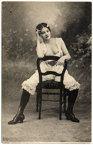 Just sitting there ca. 1904