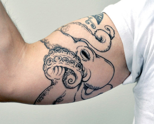 fuckyeahtattoos:  This is my octopus - sketched directly on my arm, then inked over by the Amazing Stephanie in Milwaukee, WI.