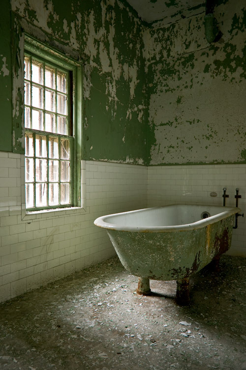 Taunton State Hospital, clawfoot tub (demolished)