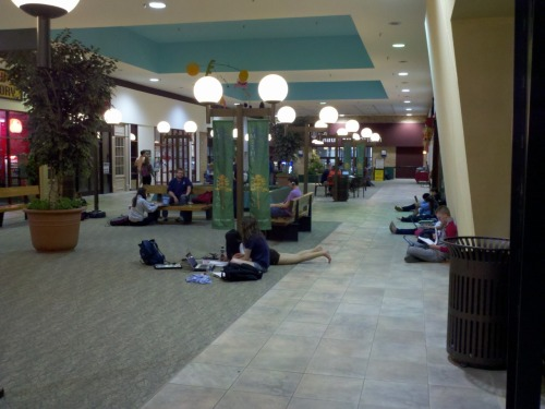 University City Mall in Blacksburg  is packed with students sprawled out all over the place apparently  studying for finals and taking advantage of the wifi. I'm going to show  my age here, but nobody had a laptop when I was in college. Hell,  usually the only people that had a computer were engineering and  architecture students - and they were running 486 with a whopping 4MB of  RAM and a 256MB hard drive. Me? I had a typewriter because that's how I  rolled. Where do you study for finals?