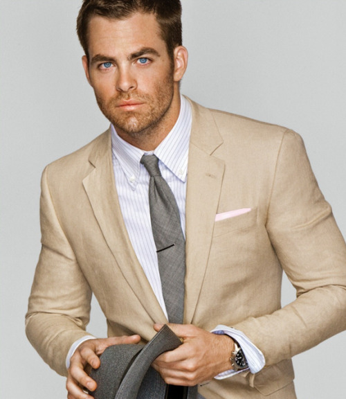 HOTTIE: Chris Pine
