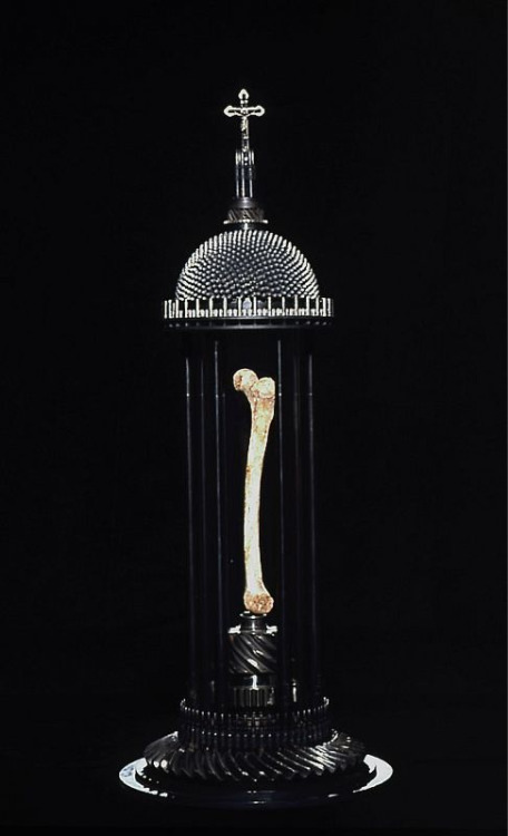 """body no / body"" lab: ""Femur of Santo Guerro"", ""Reliquaries"" series by Al Farrow courtesy the artist & grateful to delinquentdoll & http://www.alfarrow.com/reliquaries/"