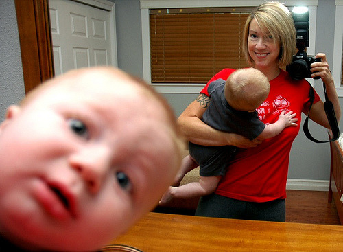laughingsquid:  Baby Photobombs Himself
