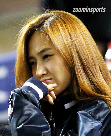 110503 Yuri @ Doosan Bears' game by zoominsports