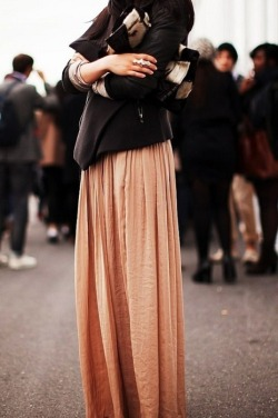 myworldmyshelter:  Streetstyle - Paris Fashion Week