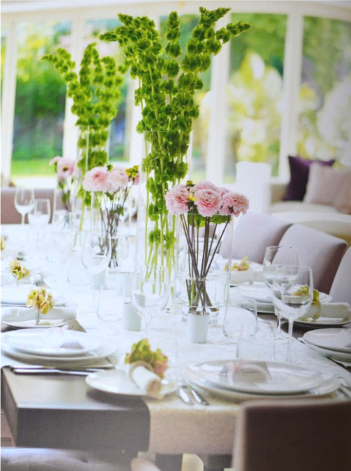 (via Everything Fabulous: Tablescape Inspiration: Mother's Day!)