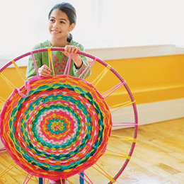 tutorializer:  A simple technique for making a rag rug. (via Hula Hoop Rug | Easy Crafts for Kids — Quick Arts and Craft Ideas — Kids' Crafts | FamilyFun)