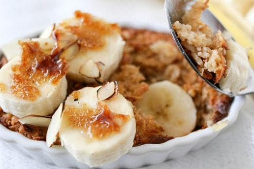 don-tstopget-itget-fit:  Baked Oatmeal Recipe  This look so good!