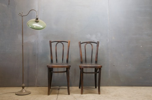 USA, c.1920s. NYC Street Cafe Dining Chairs. Deep Patina'd Bentwood Frames. Uncommon Form. W: 15 x D: 16½ x H: 34 in. *(Seat H: 18 in.)