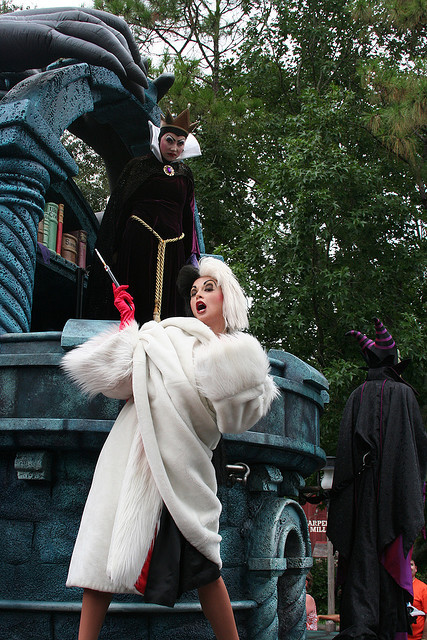 fuckyeahdisneyentertainment:  Cruella de Vil and the Evil Queen - Disneyland  Hmph. If you're going to imitate me, at least do it with some class, darling.