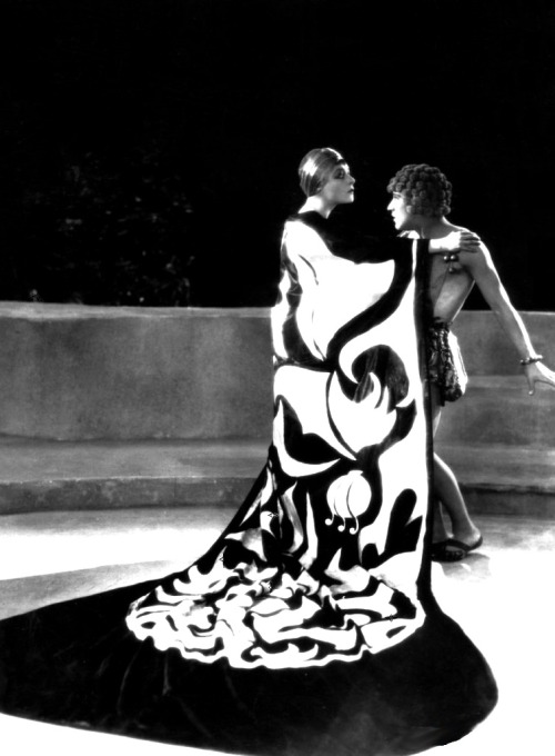 Alla Nazimova & Arthur Jasmine in Salome (1923, dir. Charles Bryant) Production designer Natacha Rambova based much of Salome's decor and costumes on the decadent illustrations Aubrey Beardsley produced for the first edition of Oscar Wilde's play Salome. The above still is a recreation of Beardsley's The Peacock Skirt