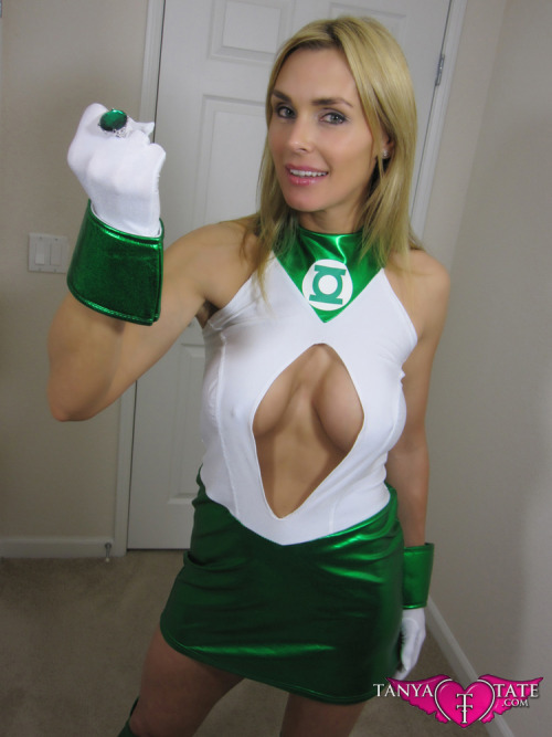 comicbookcosplay:  Green Lantern (Arisia Rrab)