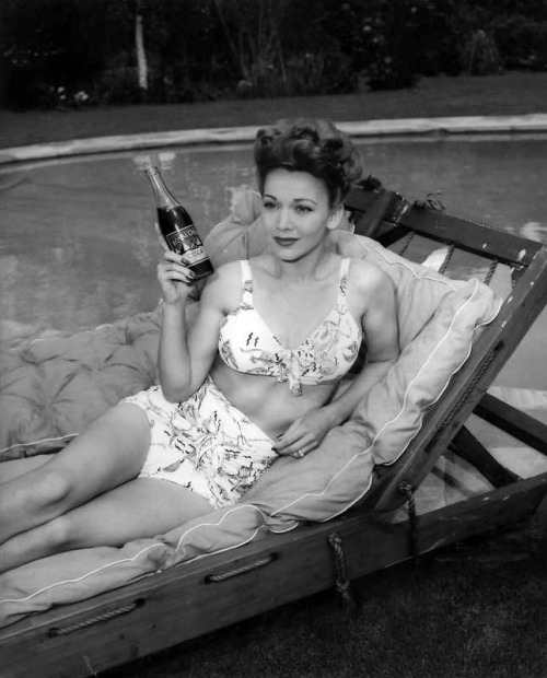 Carole Landis poses for an RC Cola ad, c. mid-1940's.