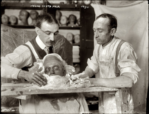 """Making Death Mask,"" New York, ca. 1908. Source: George Grantham Bain Collection, Library of Congress. Via Shorpy."