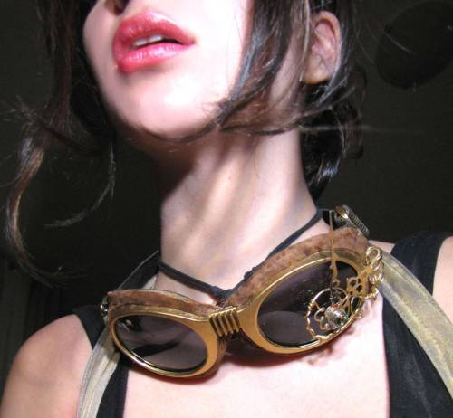 goggles :3 Submitted by losing-sleep Can't see much of this steampunk beauty but I love the steampunk goggles!