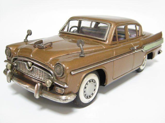 Another nice old tin toy Toyota. edgina:  J-Tin Toyota Crowns
