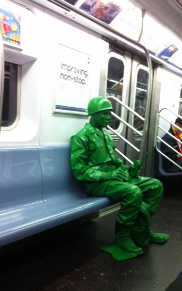 becauseilackcreativity:  NYC subway, 5 train. May 8th, 2011.