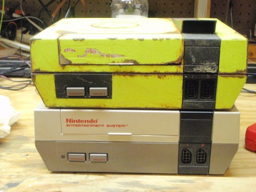 (via Repainted a old NES and made it look older : gaming)