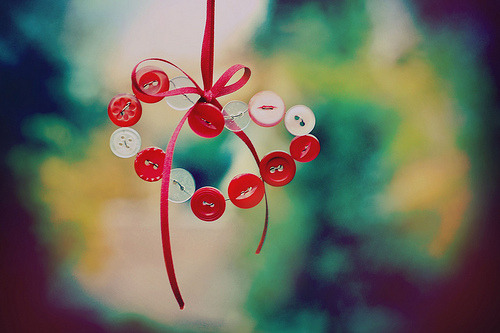 Button hearts (by Ella Ruth)