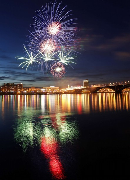 fuckyeahrussianpolitics:    Fireworks explode over the Yenisei River as  part of the celebrations for the Victory Day in Russia's Siberian city  of Krasnoyarsk, May 9, 2011. Russia celebrates the 66th anniversary of  the World War Two victory over Nazi Germany.