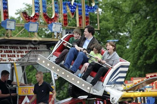 fuckyeahsexybritishpoliticians:  George and his family at the fairground on Saturday. Cute!!
