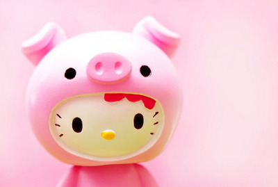 Hello Kitty piggy! (image via we heart it)