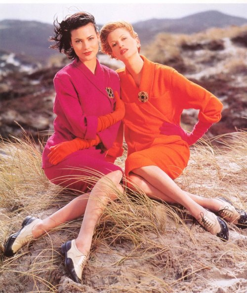 Shalom Harlow and Kristen McMenamy in Chanel fall 1995 campaign by Karl Lagerfeld.