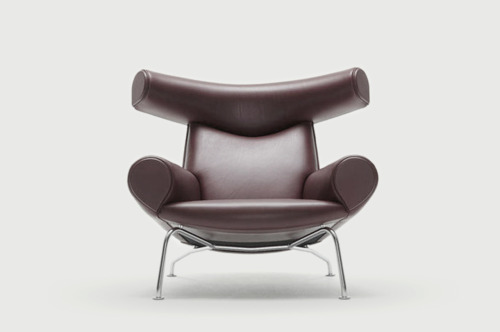 classique. every man cave should have one. weskennedy:  Ox Chair by Hans J. Wegner (1960) manufactured today by Erik Joergenson, Denmark. Wegner was an amazing and prolific designer. d2021:  erik jongersen chair