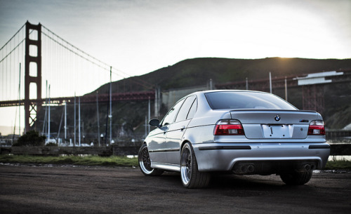 wellisnthatnice:  Titanium Silver E39 M5 by davidbushphoto.com on Flickr.