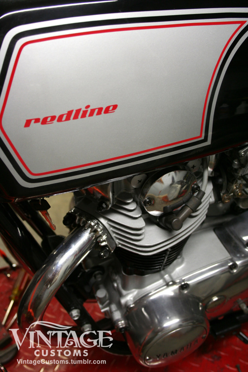The Redline xs650 - completed tank graphics