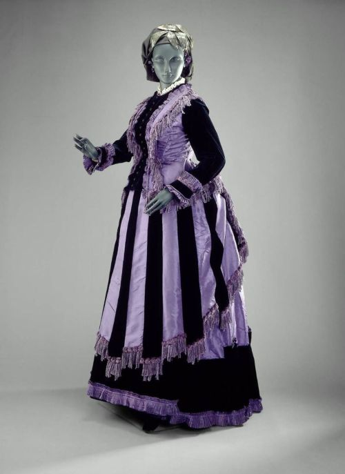 Dress ca. 1870 via The Museum of Fine Arts, Boston