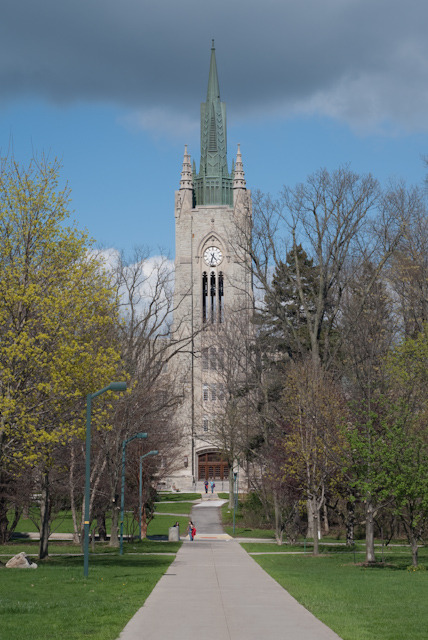 This is one of the towers in the University of Western Ontario in London Ontario.  One of my loveliest friends is in a med science program there, and she gave us a tour over the weekend.  The city and campus are so beautiful (if somewhat less diverse than the city I'm used to) that I'm seriously thinking about looking into the university's graduate studies.  I was accepted for undergrad there in poli sci, but living away from home for this year was a bit too expensive.