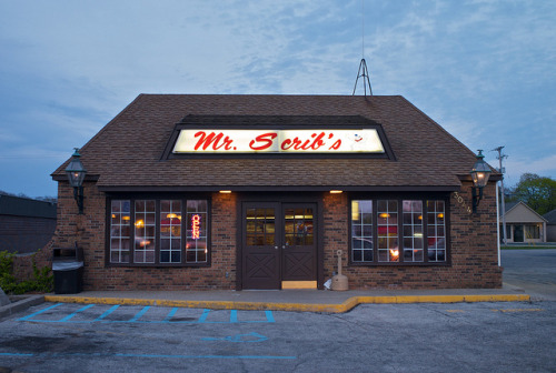 20110508_L1002536 on Flickr.Via Flickr: Mr. Scrib's has been making Muskegon's best pizza for 50 years.