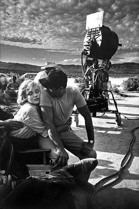 aconversationoncool:  On Set: Marilyn Monroe and Eli Wallach, The Misfits, 1960