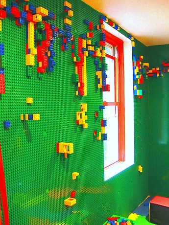 falling-in-love-tomorrow:  Lego walls!  This is amazing.