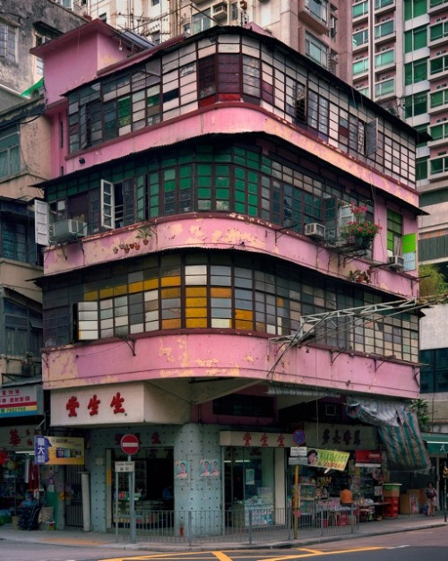 livingdancing:  Pinkish Mondrian. Hong Kong corner house by Michael Wolf.