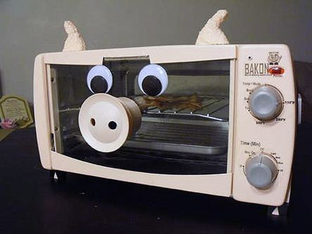 "benasmith:  ""Bakon"" - the bacon alarm clock"