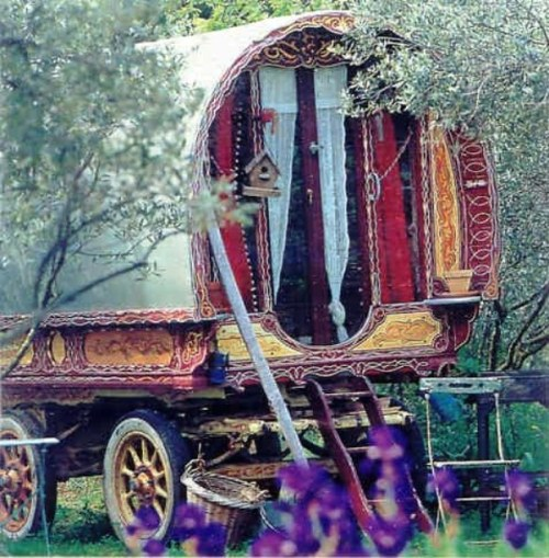 ilovetrailers:  (via and the caravan is on its way… | Free People Clothing Boutique Blog)