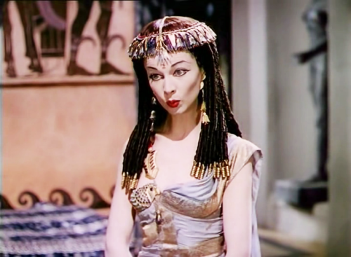 "Vivien Leigh as ""Cleopatra"" in ""Caesar and Cleopatra"" 1945"