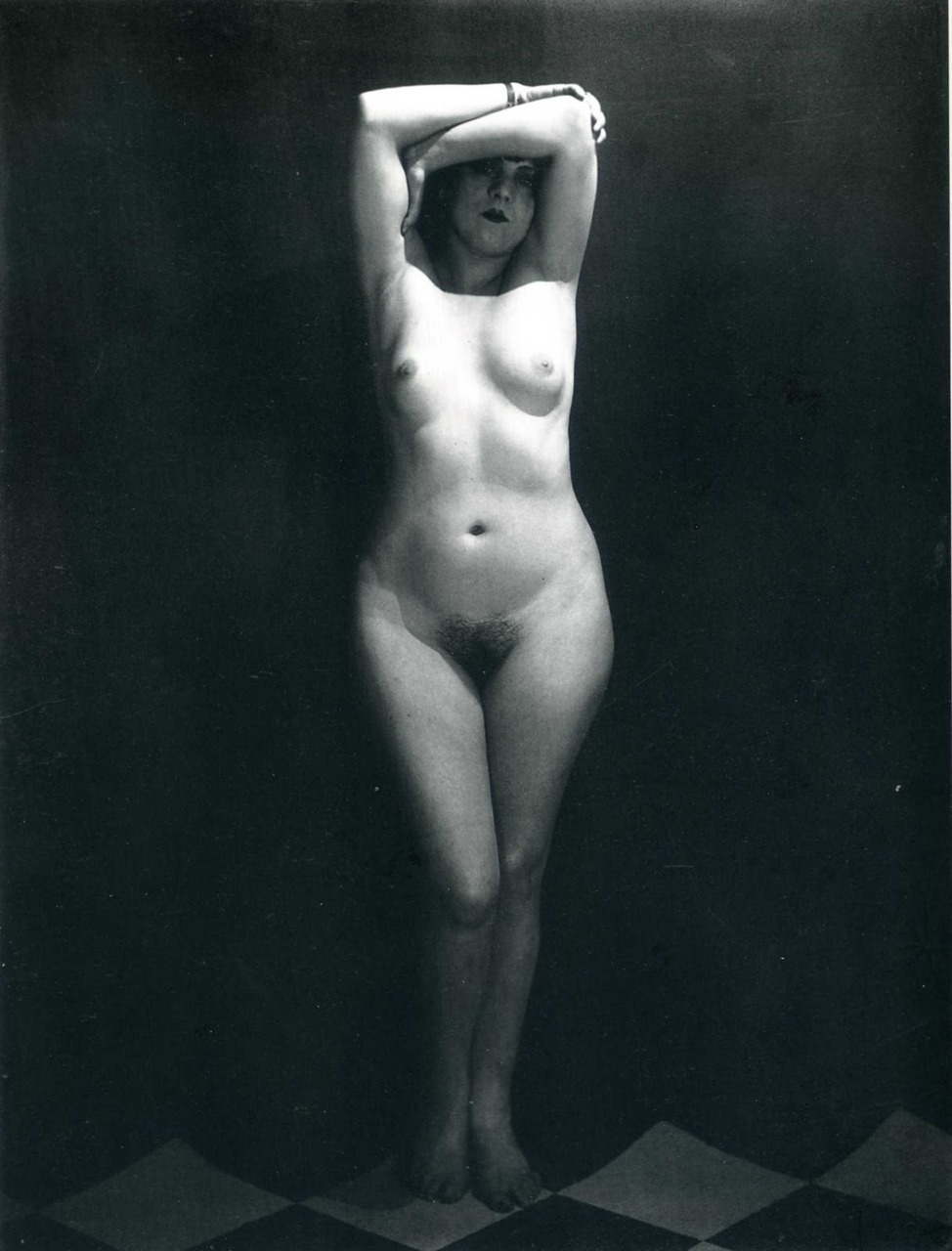 foxesinbreeches:  Kiki di Montparnasse by Man Ray, 1923 (From the same series)