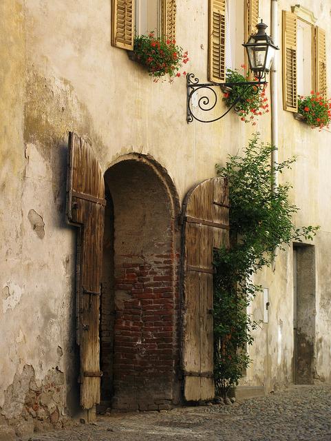 Italian door by hunjko on Flickr.